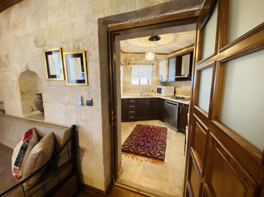 Masonry Deluxe Suite