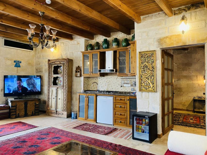 Masonry Superior Suite